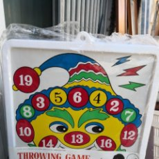 Juegos antiguos: ANTIGUA VINTAGE DIANA CHAPA Y PLÁSTICO MADE IN HONG KONG THROWING GAME. Lote 163484158