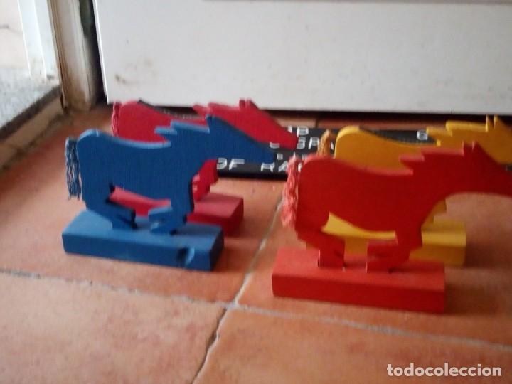 Juegos antiguos: juego de carreras de caballos madera, artesanal,años 70. - Foto 3 - 177956787