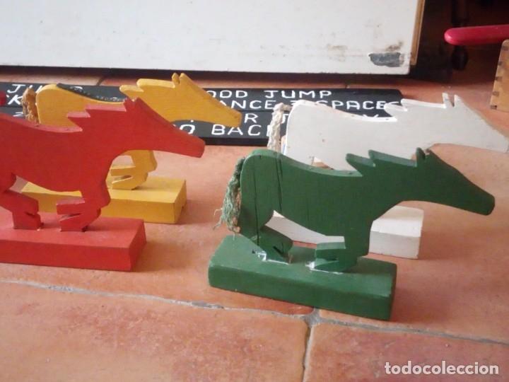 Juegos antiguos: juego de carreras de caballos madera, artesanal,años 70. - Foto 4 - 177956787