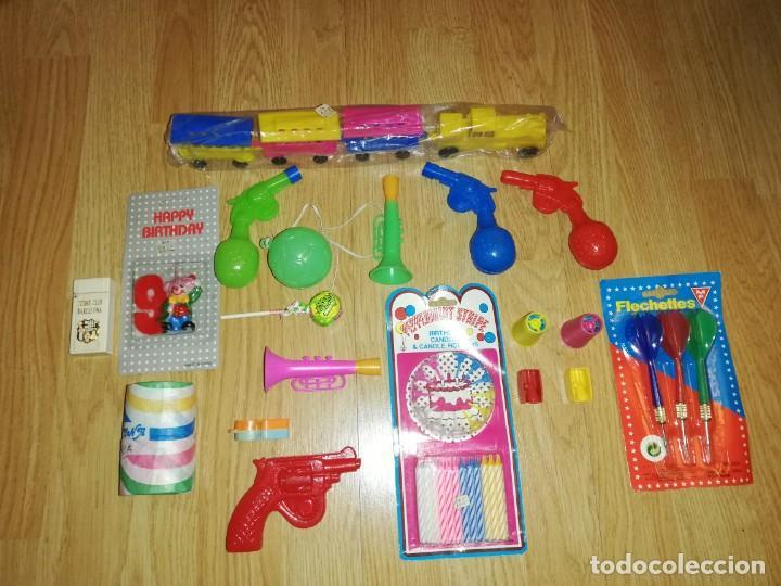Juegos antiguos: Lote de juguetes y artículos años 80 kiosko, era EGB, cheiw, boomer, años 70,años 90,dunkin - Foto 2 - 187461025