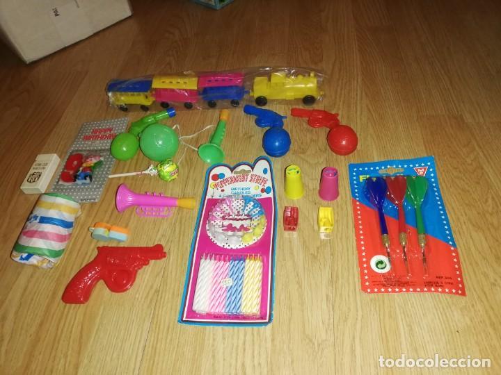 Juegos antiguos: Lote de juguetes y artículos años 80 kiosko, era EGB, cheiw, boomer, años 70,años 90,dunkin - Foto 4 - 187461025