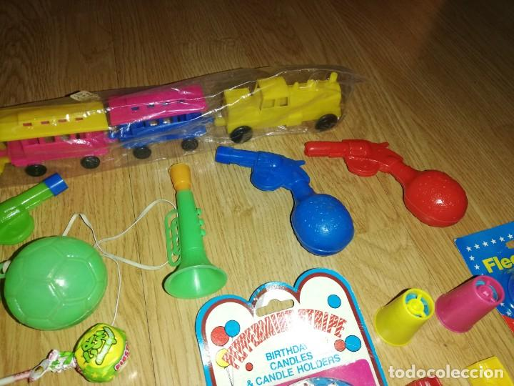 Juegos antiguos: Lote de juguetes y artículos años 80 kiosko, era EGB, cheiw, boomer, años 70,años 90,dunkin - Foto 7 - 187461025