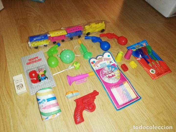Juegos antiguos: Lote de juguetes y artículos años 80 kiosko, era EGB, cheiw, boomer, años 70,años 90,dunkin - Foto 9 - 187461025