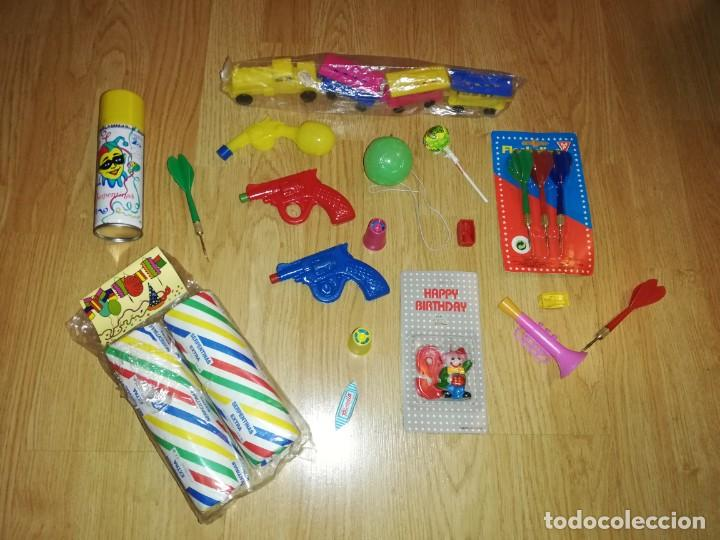 Juegos antiguos: Lote de juguetes y artículos años 80 kiosko, era EGB, cheiw, boomer, años 70,años 90,dunkin - Foto 4 - 187461177