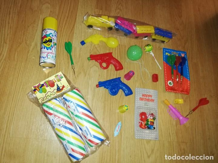 Juegos antiguos: Lote de juguetes y artículos años 80 kiosko, era EGB, cheiw, boomer, años 70,años 90,dunkin - Foto 5 - 187461177
