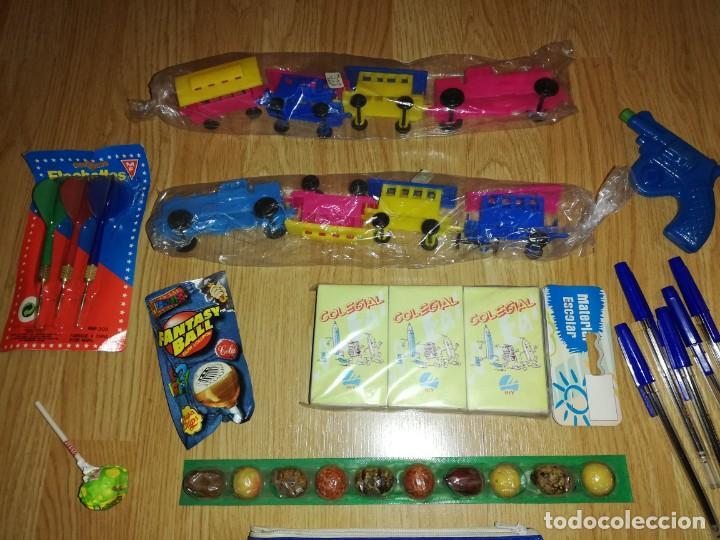 Juegos antiguos: Lote de juguetes y artículos años 80 kiosko, era EGB, cheiw, boomer, años 70,años 90,dunkin - Foto 4 - 187461536