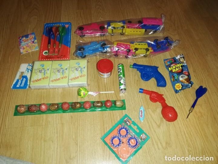 Juegos antiguos: Lote de juguetes y artículos años 80 kiosko, era EGB, cheiw, boomer, años 70,años 90,dunkin - Foto 6 - 187461740