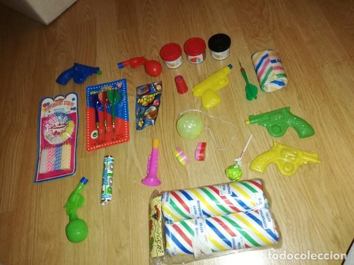 Juegos antiguos: Lote de juguetes y artículos años 80 kiosko, era EGB, cheiw, boomer, años 70,años 90,dunkin - Foto 3 - 187462103