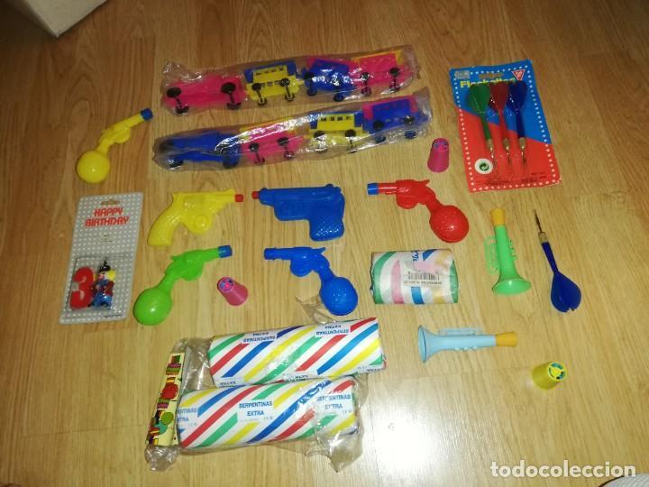 Juegos antiguos: Lote de juguetes y artículos años 80 kiosko, era EGB, cheiw, boomer, años 70,años 90,dunkin - Foto 3 - 187462958