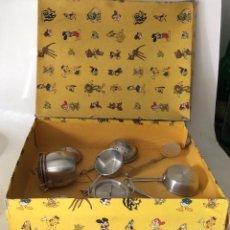 Juegos antiguos: JUEGO DE COCINA AÑOS 40/50 JUGUETES SARTRES(- EN CAJA ORIGINAL-VER DETALLE) . Lote 193240395