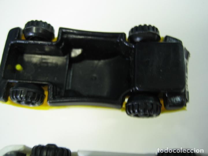 Juegos antiguos: Auto Cross de Mattel 1990. Falta arco de meta. Tiene los coches - Foto 13 - 32746923
