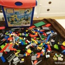 Juegos antiguos: LOTE 1 KILO DE PIEZAS CONSTRUCCION TIPO LEGO, EN CONCRETO EN LAS FICHAS PONE COBI. Lote 194639258