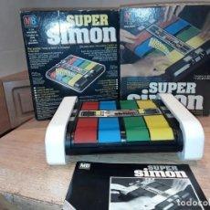 Juegos antiguos: SÚPER SIMON MB, EN CAJA MUY NUEVO.. Lote 195044605