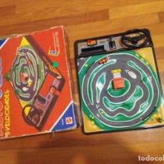 Juegos antiguos: 1985 ANTIGUO AUTO CROSS 5 VELOCIDADES MATTEL LEER BIEN. Lote 195535811