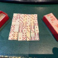 Juegos antiguos: MINI DOMINO ANTIGUO EN SU CAJA. Lote 221288708