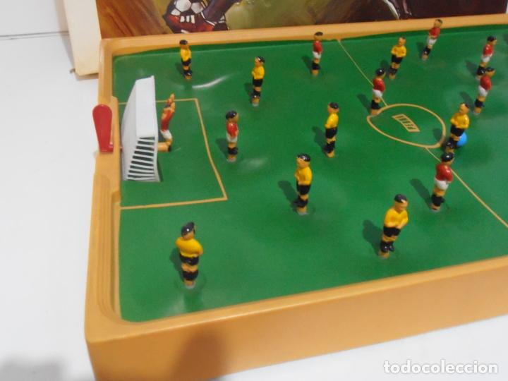 Juegos antiguos: JUEGO FUTBOL CLUB, PERMA REEXSA, AÑOS 70 MADE IN SPAIN - Foto 2 - 236429515