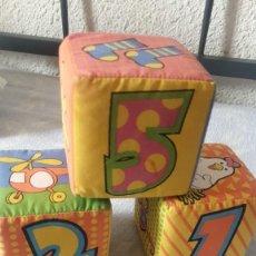 Juegos antiguos: 3 DADOS DE ESPONJA CON NUMERO Y SONIDO. Lote 241313370