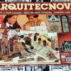 Juegos antiguos: CAJA GRANDE DE ARQUITECNOVA CONSTRUYE LA GRAN CATEDRAL DE MEDITERRANEO ORIGINAL AÑOS 90. Lote 252004490