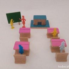 Juegos antiguos: COLEGIO URBIS GOULA. Lote 267330644