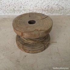 Juegos antiguos: MUY ANTIGUO YOYO DE MADERA, CON SU CORDEL - VINTAGE. Lote 270166413
