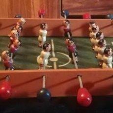 Juegos antiguos: FUTBOLIN JUGUETE MADERA SOBREMESA. Lote 288380293