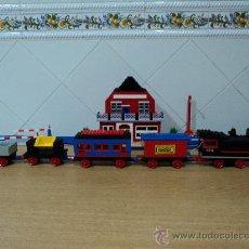 Juegos construcción - Lego: LEGO,TREN CON 4 VAGONES Y ESTACION + CIRCUITO DE VIAS. Lote 27432087