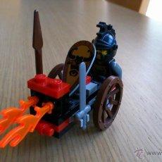 Juegos construcción - Lego: LEGO KNIGHTS 4807 CARRO CON FUEGO DEL AÑO 2000. Lote 40265839
