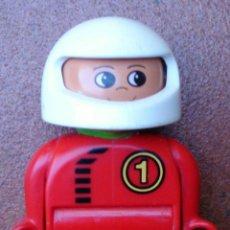 Juegos construcción - Lego: FIGURA LEGO DUPLO RACE CAR PILOTO. Lote 44844413