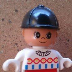 Juegos construcción - Lego: FIGURA LEGO DUPLO, NIÑO CASCO NEGRO. Lote 46948606