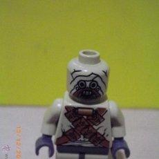 Juegos construcción - Lego: LEGO STAR WARS TUSKEN RAIDER ORIGINAL VERSIÓN ANTIGUA DE LEGO 7113 MINI-FIGURA MORADOR DE LAS ARENAS. Lote 53285646