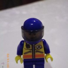 Juegos construcción - Lego: LEGO MINIFIGURA ORIGINAL PARECE UN PILOTO CON CASCO CON VISERA - MINI FIGURA. Lote 53581927