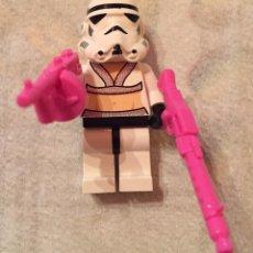 Juegos construcción - Lego: LEGO STORMTOOPER CON ARMAS ROSAS ,SIN JUGAR. Lote 76423823