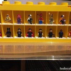 Juegos construcción - Lego: LEGO DISPLAY 16 MINIFIGURAS AMARILLO. Lote 44433208