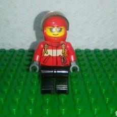 Juegos construcción - Lego: MINIFIGURA ORIGINAL PILOTO DE HELICÓPTERO O AVIÓN DE LEGO CITY 60100 AÑO 2016.. Lote 100334598