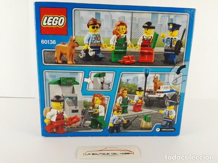 Juegos construcción - Lego: STARTER SET POLICIA LEGO CITY 60136 - Foto 2 - 132460242