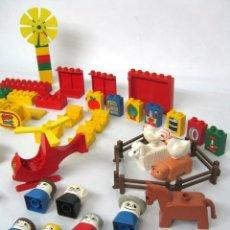 Juegos construcción - Lego: GRAN LOTE DUPLO 70 'S LEGO FARMYARD + MARY'S HOUSE + COLEGIO + TALLER MECANICO + HELICOPTERO + ETC... Lote 132636558