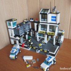 Juegos construcción - Lego: LEGO CITY REF: 7744 - COMISARIA DE POLICIA (COMPLETO PERO SIN CAJA NI INSTRUCCIONES). Lote 154814946