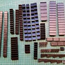 Juegos construcción - Lego: LEGO 239 PIEZAS PARA TEJADOS U OTROS. Lote 178070364