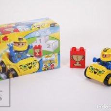 Juegos construcción - Lego: JUGUETE DE CONSTRUCCIÓN LEGO DUPLO - PILOTO Y COCHE DE CARRERAS OCTAN - REF. 1404 - AÑOS 90 . Lote 178927846