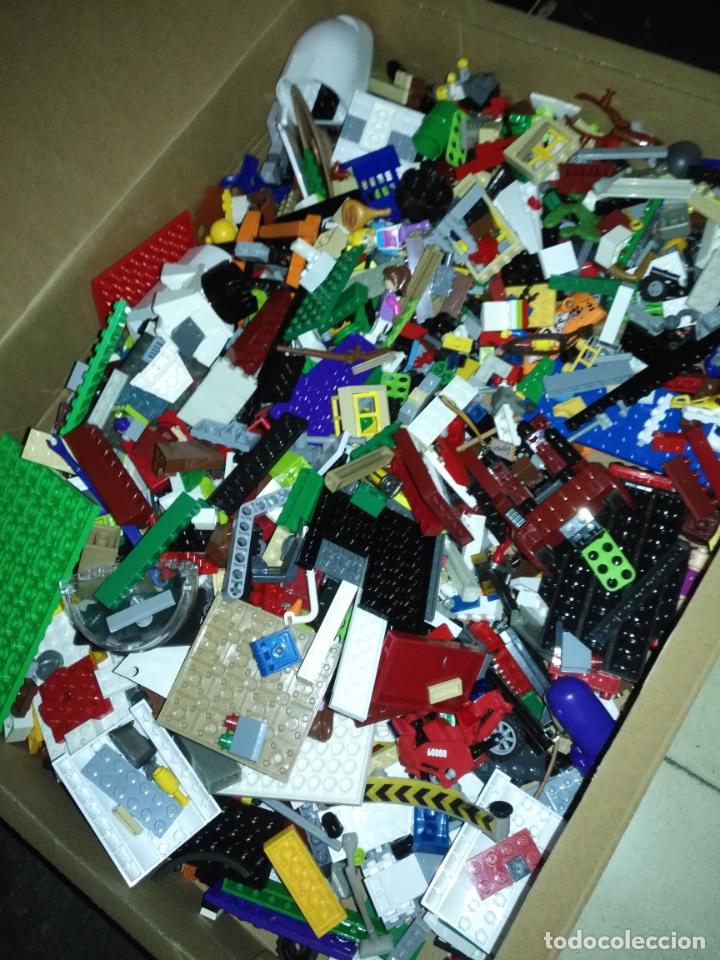 GRAN GIGANTE LOTE DE CIENTOS DE PIEZAS Y MUÑECOS LEGO ,,, ALGUNA SUELTA DE PLAYMOBIL . VER FOTOS (Juguetes - Construcción - Lego)
