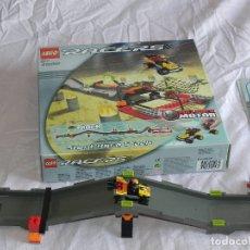 Juegos construcción - Lego: ** LEGO 4586 RACERS STUNT RACE TRACK **. Lote 182203073