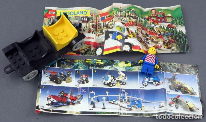 LOTE LEGO COCHE MUÑECO Y DOS CATÁLOGOS (Juguetes - Construcción - Lego)