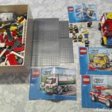 Juegos construcción - Lego: LOTE CATALOGOS, FIGURAS Y PIEZAS LEGO CITY. Lote 187483583