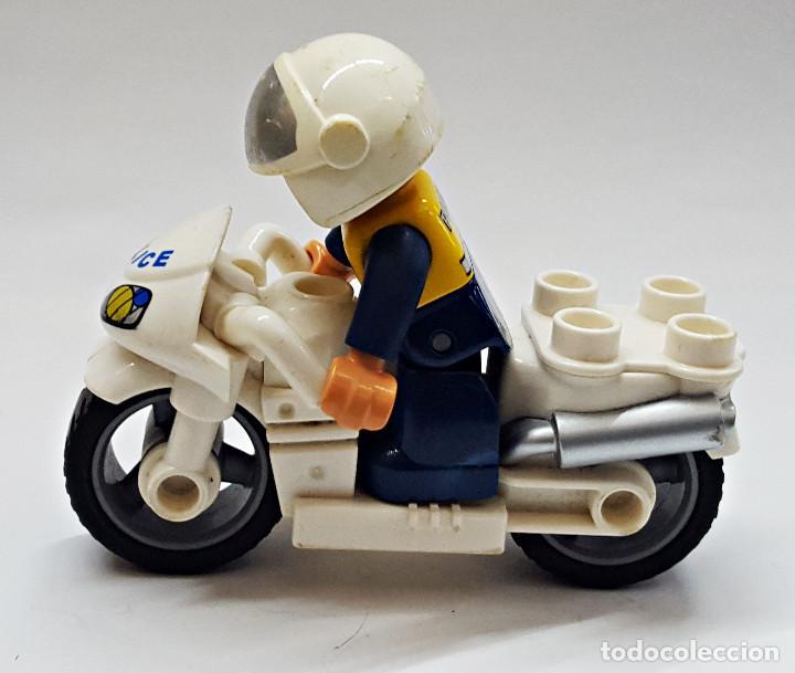 POLICIA Y MOTO. (Juguetes - Construcción - Lego)