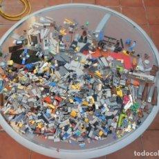 Juegos construcción - Lego: LOTE DE PIEZAS DE LEGO, MEGABLOC Y SIN NOMBRE.. Lote 193959467