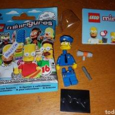 Juegos construcción - Lego: MINIFIGURA LEGO THE SIMPSONS SIMPSON SERIE 1 JEFE POLICÍA NUEVO MUÑECO. Lote 194359797