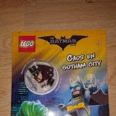 Juegos construcción - Lego: LIBRO ACTIVIDADES CUENTO CÓMIC BATMAN LA PELÍCULA +FIGURA LEGO ORIGINAL NUEVO CAOS EN GOTHAM CITY. Lote 194359900