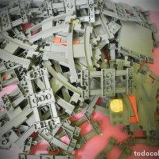 Juegos construcción - Lego: VIAS DE TREN ANTIGUO LEGO GRAN LOTE DE 64 VIAS- 4 VIAS ESPECIALES LEGO. Lote 194491160