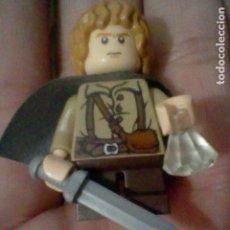 Juegos construcción - Lego: LEGO SEÑOR ANILLOS CREO FRODO BOLSON ESPADA Y POCIMA FIGURA LEGO 4 CMS ALTO LEGO ORIGINAL. Lote 194723968