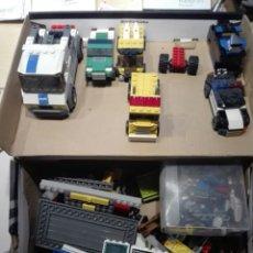 Juegos construcción - Lego: LEGO CAJA CON PIEZAS, COCHES MUÑECOS CONSTRUCCIONES ESTACION POLICIA.. Lote 199055088
